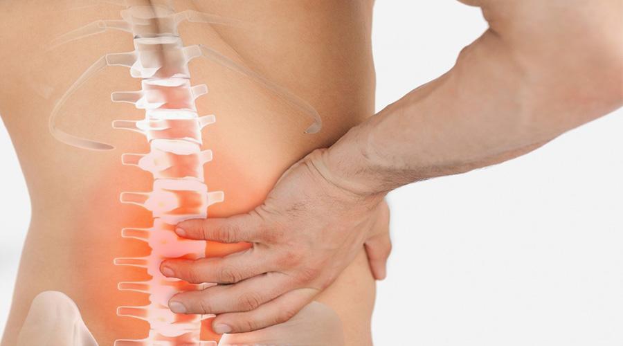 Ernia del disco: sintomi, esercizi, cure ed intervento